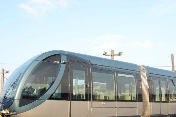 Une rame du tramway Citadis