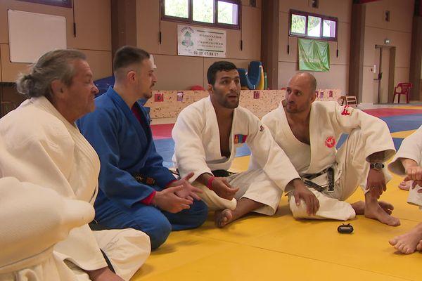 Le vice-champion olympique Saeid Mollaei est venu au club de judo de Grand-Quevilly ce dimanche 17 octobre.