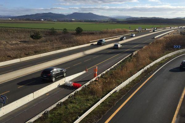 L'autoroute A75 fait toujours l'objet de fermetures nocturnes. Après la démolition du pont de l'avenue Ernest Cristal, les travaux vont continuer à partir du lundi 13 mai à Clermont-Ferrand.