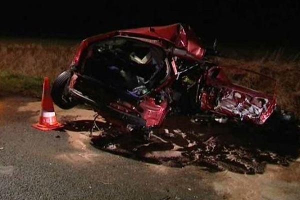 Les deux jeunes hommes décédés étaient dans cette Citroën C4 rouge.