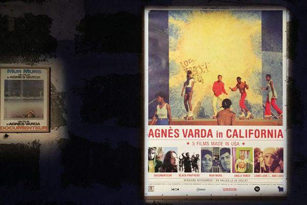 L'affiche du documentaire Mur Murs d'Agnès Varda et une autre affiche datant de 2014