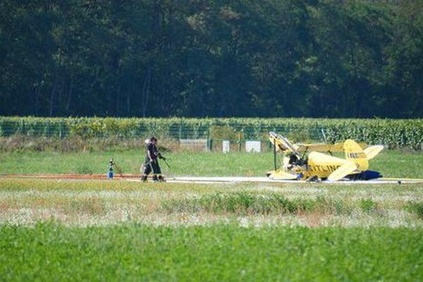 L'avion s'est écrasé en bout de piste, au décollage.