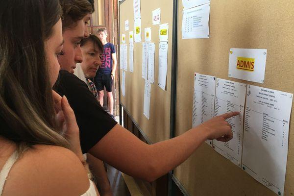 Les résultats du Bac 2019 ont été affichés à 10 heures au lycée Fesch d'Ajaccio.