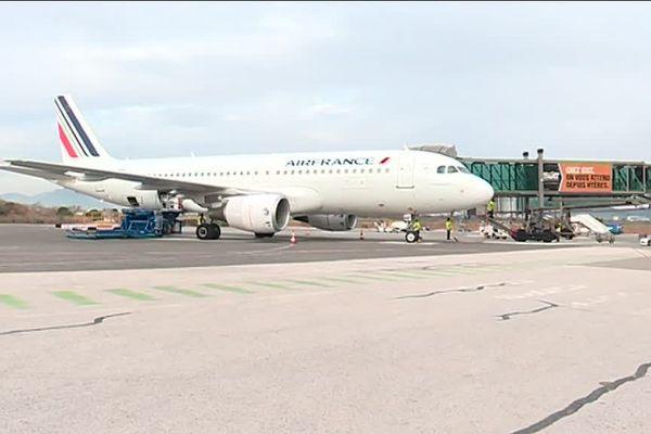 Le tarmac de l'aéroport de Toulon-Hyères.