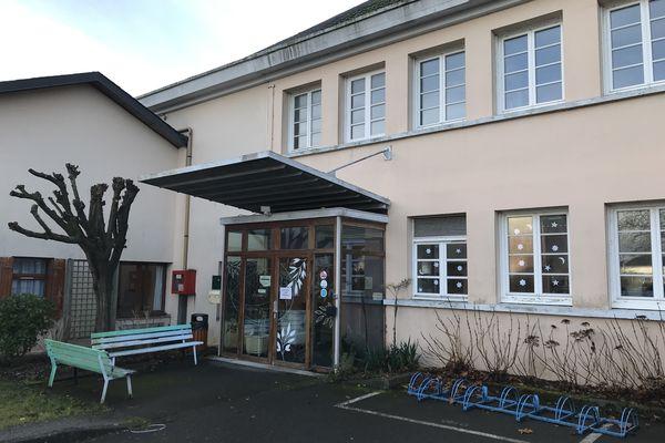 Des cas de covid 19 détectés à l'Ehpad Le Clos Fleuri, à Donges, janvier 2021