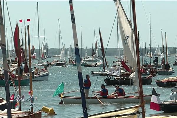 Les  flotilles de la semaine du Golfe arrive à l'île d'Arz