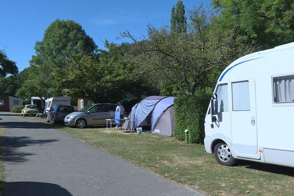 Le camping de Clécy en Suisse normande affiche complet jusqu'au 20 août, au moins.