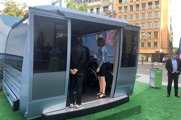 Toulouse - La cabine du téléphérique urbain est présentée à partir de vendredi 28 mai au public dans le centre-ville - 28 mai 2021.