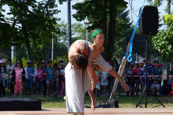 Un cirque très créatif à l'Echappée belle par les élèves de l'Ecole de cirque de Bordeaux.