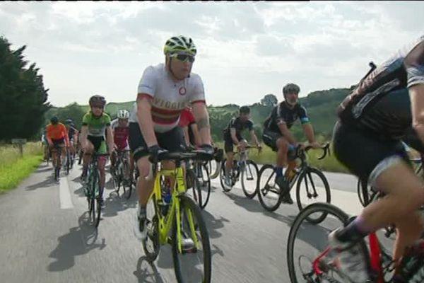 Les cyclistes amateurs étaient menés par deux professionnels