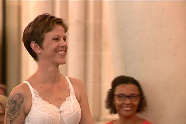 Au restaurant Les Archives, à Poitiers, un défilé de lingerie a eu lieu pour inciter les femmes au dépistage du cancer du sein.