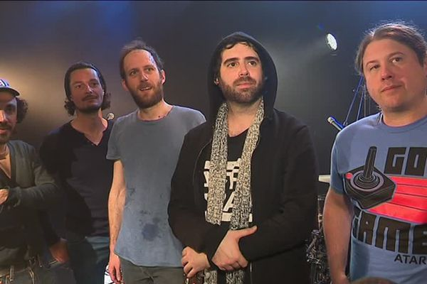 Le groupe Stuck in the Sound, lors de leur résidence au Big Band Café à Hérouville St-Clair en mars 2019.