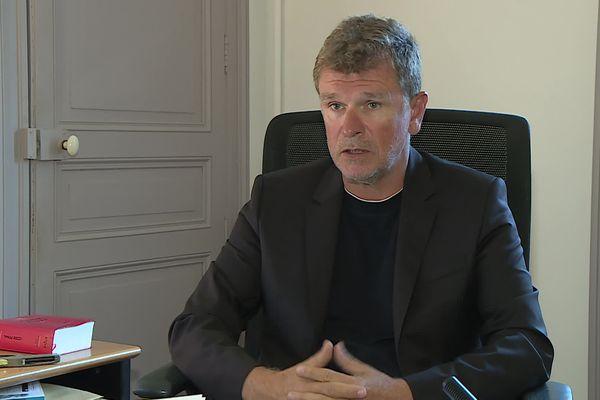 Montpellier - Luc Abratkiewicz défend les victimes de l'incendie mortel de Gabian, le 10 août 2016, depuis le début.