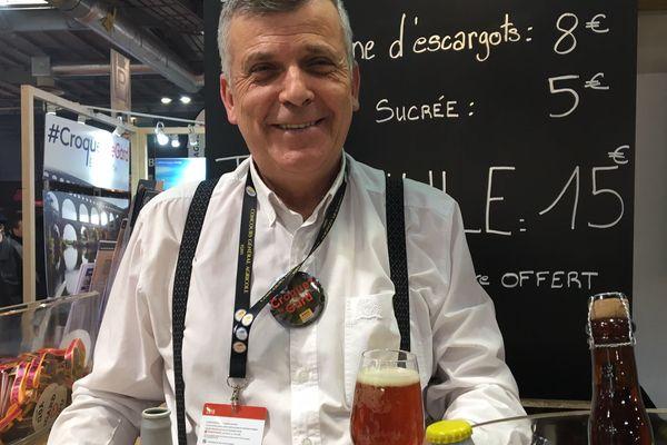 Le brasseur cévenol de la bière artisanale d'Aujac dans le Gard