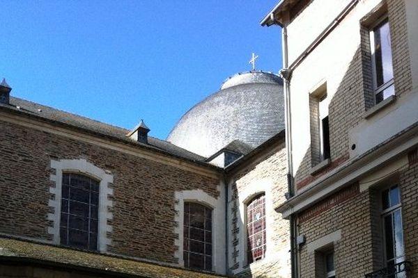 Le toit de la partie nord de la cathédrale Saint-Pierre de Rennes