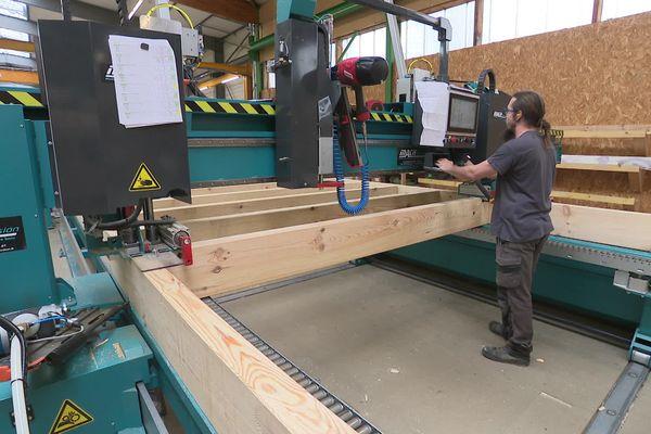 Découpe de bois chez CCL construction à Saint-M'Hervé (35) : on manque de matière première !