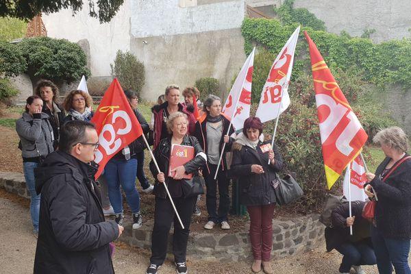 Lundi 20 mai, des auxiliaires de vie de l'ADMR Veyre Auzon dans le Puy-de-Dôme ont manifesté. Elles dénoncent le non respect de leur convention collective.