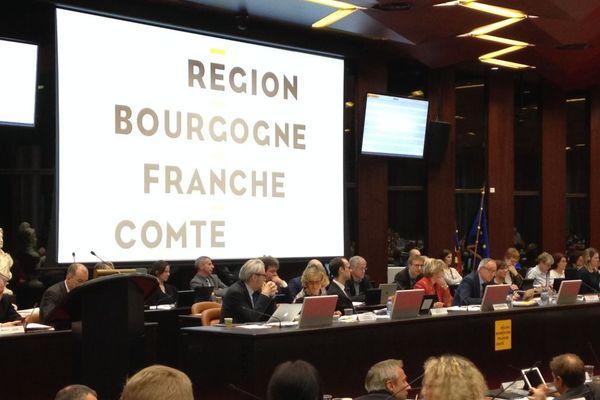 Les élus du conseil régional de Bourgogne Franche-Comté réunis en assemblée plénière à Dijon
