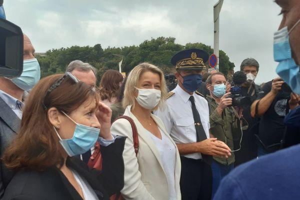 La ministre de la Transition écologique Barbara Pompili en visite à Biarritz mercredi 12 août.