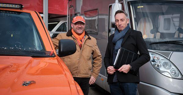 Christophe Janniot à droite, organisateur du camping-car folies