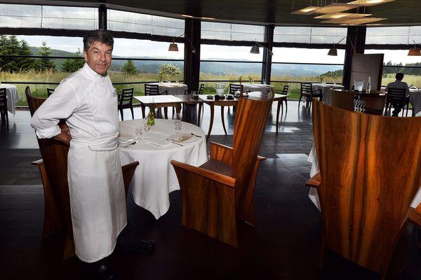 Régis Marcon dans son restaurant de Saint-Bonnet-le-Froid (Haute-Loire), photographié ici en 2015.