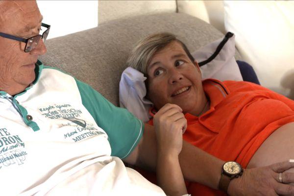 Émilie, 38 ans et Patrick, 69 ans attendent des jumeaux