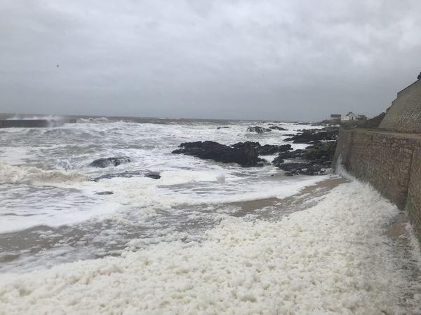 La tempête Dennis à Batz-sur-Mer en Loire-Atlantique