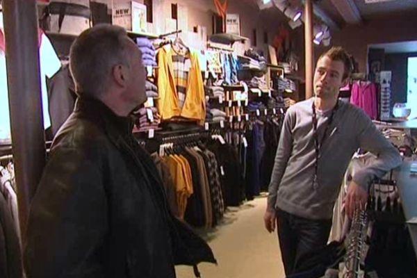 Ce vendeur de vêtements limougeaud pourrait ne pas en porter le 23 décembre...
