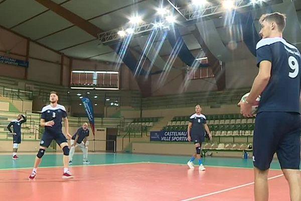 Les joueurs du Montpellier Castelnau Volley à l'entraînement.