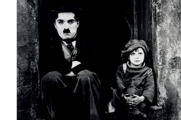 "Photo du film ""The Kid"" avec Charlie Chaplin"