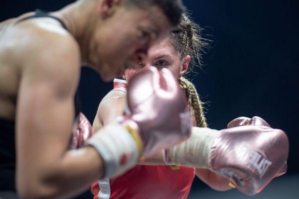 La boxeuse de Saint-Maur s'est imposée face à son adversaire à Nantes, se retrouvant sacrée pour la deuxième fois championne de France