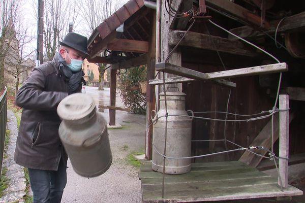Patrimoine unique en France,  le téléphérique à lait de Blois-sur-Seille, dans le Jura, a fonctionné de 1893 à 1982.
