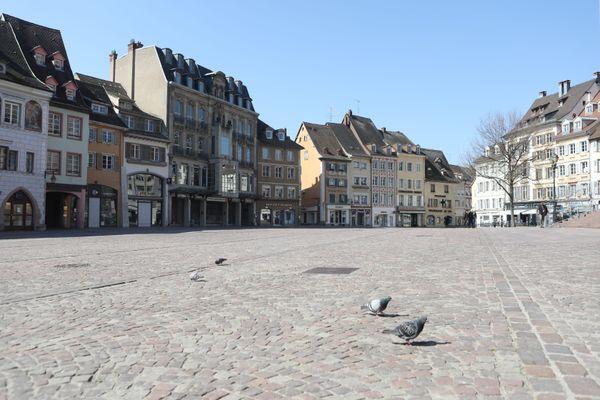 Le centre-ville de Mulhouse, désert au neuvième jour du premier confinement en mars 2020.