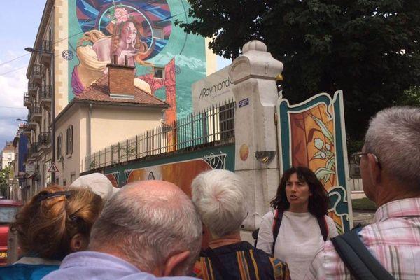 """Les visites guidées """"circuit découverte du street-art"""" à Grenoble ont lieu tous les mardis, de 18 heures à 20 heures, depuis le 10 juillet"""