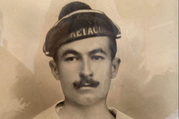 Portrait d'Albert Terrusse opérateur de TSF de la Marine nationale.