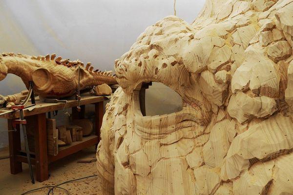 Tête et maquette du futur Dragon de Calais, en cours d'élaboration depuis les ateliers de la Machine à Nantes.