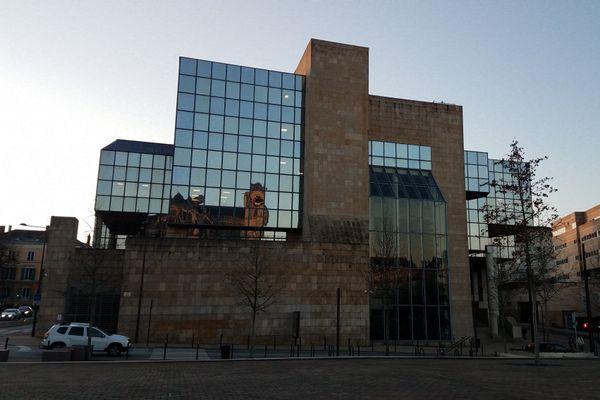 Le Palais de Justice du Mans.