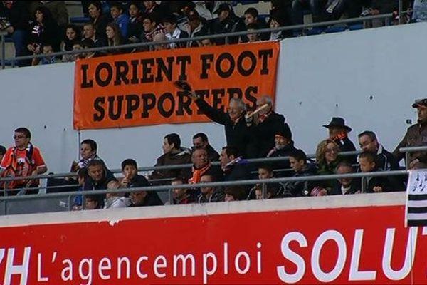 Les supporters du FC Lorient dans le stade du Moustoir
