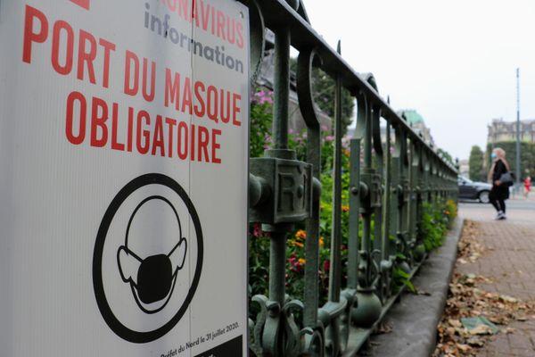 De nombreuses communes dans les Hauts-de-France renforcent l'obligation du port du masque en extérieur.