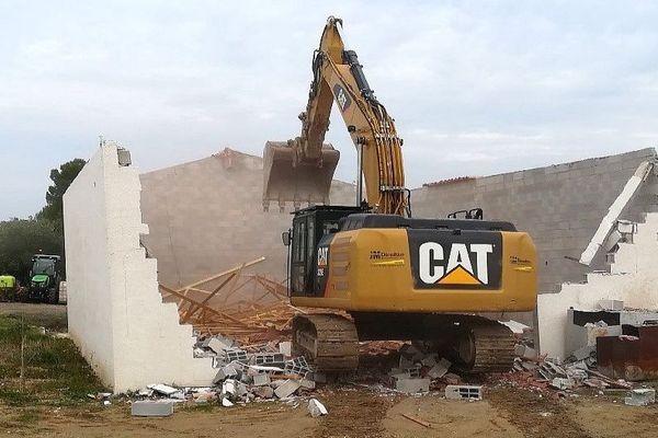 Hérault : 2 constructions illégales détruites pour lutter contre la cabanisation à Montagnac - 28 octobre 2019.