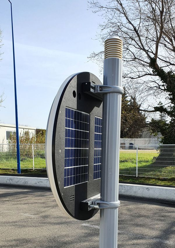 Ces panneaux routiers innovants avec station météo intégrée seront déployés dans le Vaucluse l'an prochain.