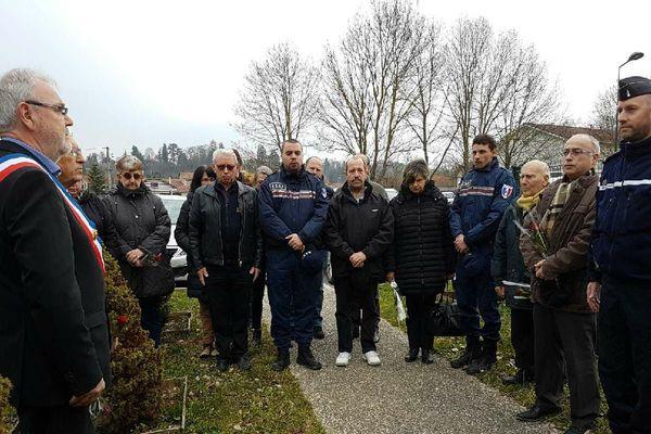 Minute de silence en hommage à Arnaud Beltrame à Saint-Jean-de-Bournay