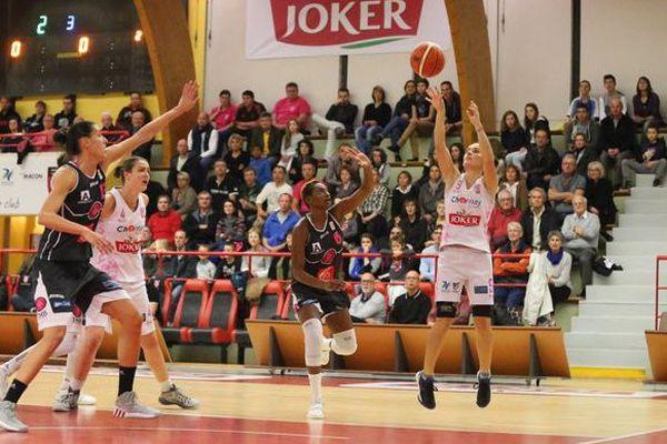 Charnay-lès-Mâcon s'impose face à Toulouse lors des 1/16e de finale de la Coupe de France, samedi 31 octobre 2015.