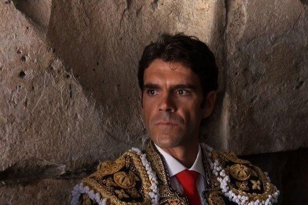 ...Et là-bas sous le pont, adossé contre une arche, Hannibal écoutait, pensif et triomphant, le piétinement sourd des légions en marche... (José Maria de Heredia, La Trebbia)