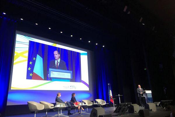 Jean Castex prononce son discours devant Johanna Rolland aux journées de France Urbaine, le 10 septembre 2021