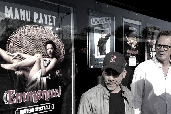 Manu Payet et Loïc Bonnet à Rouen le 4 septembre devant l'entrée du théâtre à l'Ouest