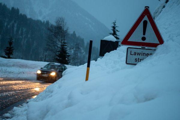 Le sud de l'Allemagne est touché par de très importantes chutes de neige depuis plusieurs jours.