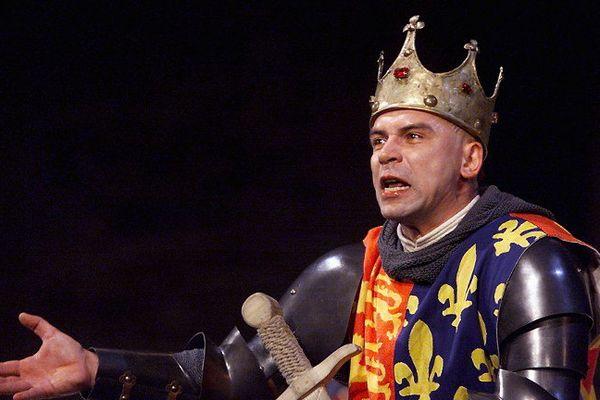 Philippe Torreton jouait Henry V à Avignon en 1999.