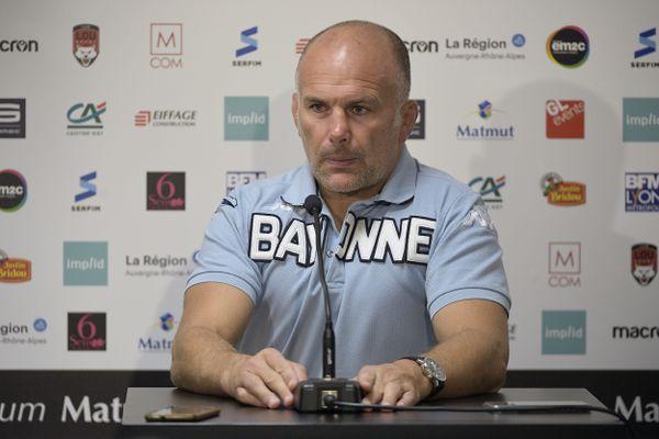 Yannick Bru, entraîneur de Bayonne, en conférence de presse après le match entre le LOU Rugby et l'Aviron Bayonnais à Lyon, comptant pour la 5e journée du TOP 14.