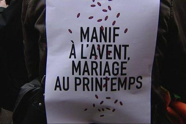 150 personnes se sont rassemblées à Dijon pour demander le mariage pour tous et... l'égalité de tous